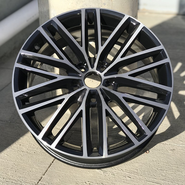 SEAT  Gloss Black & Diamond Cut  18X7